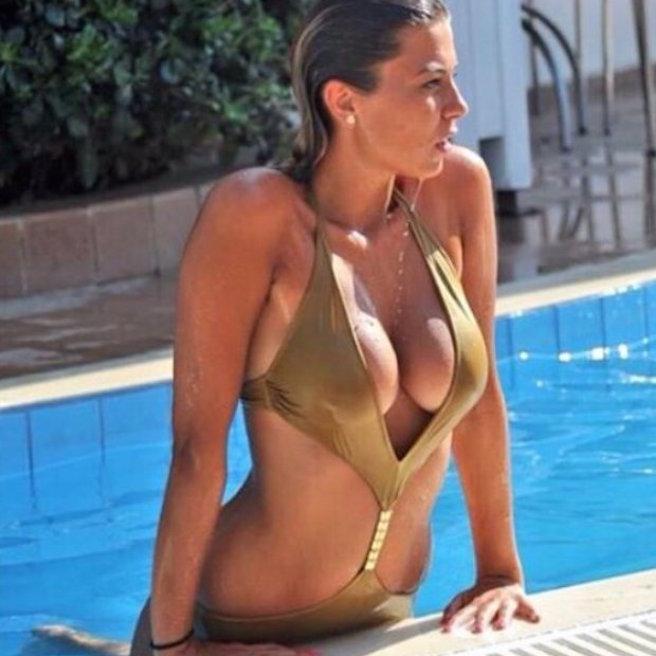 Rike Roci-Albanie-Albanaise-Tirana-Instagirl-Instagram-Sexy-Jolie-Canon-Fille-Femme-Blonde-Foot-Big Bgrother-bikini-effronte-15