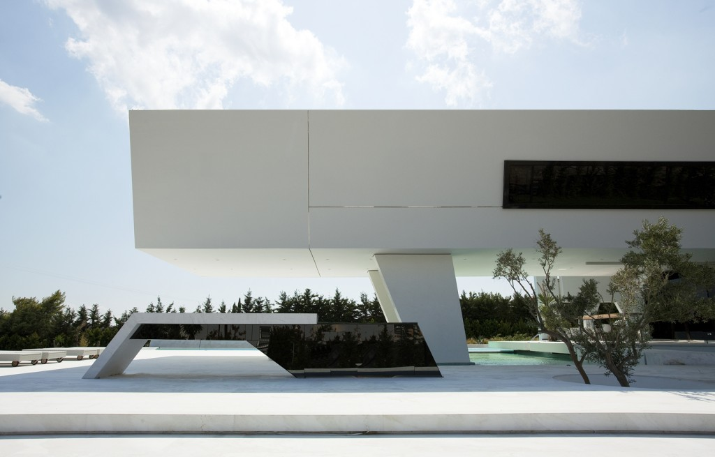 Impressive_Ultra_Modern_House_in_Athens_featured_on_architecture_beast_05