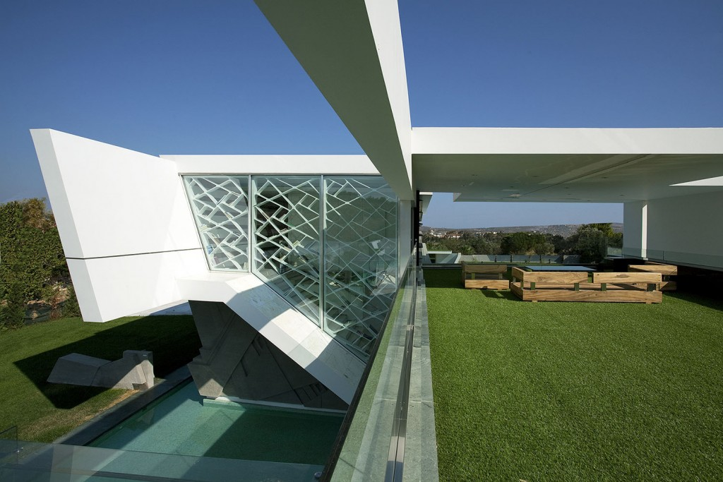 Impressive_Ultra_Modern_House_in_Athens_featured_on_architecture_beast_10