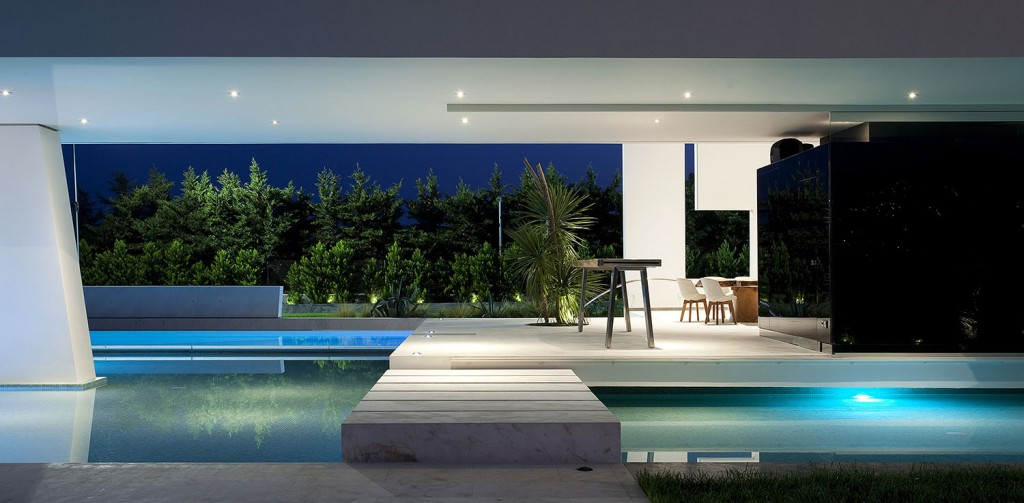Impressive_Ultra_Modern_House_in_Athens_featured_on_architecture_beast_11