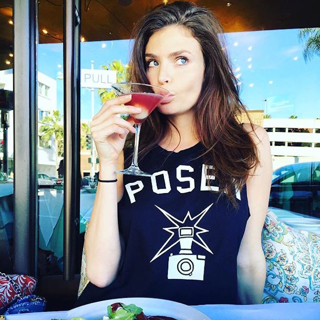 Julia Lescova-USA-Los Angeles-Lettone-Instagirl-Instagram-Sexy-Jolie-Canon-Fille-Femme-Brune-Daugavpils-Mannequin-Bikini-effronte-02