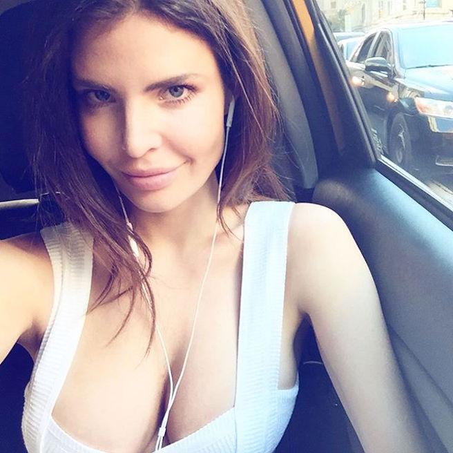 Julia Lescova-USA-Los Angeles-Lettone-Instagirl-Instagram-Sexy-Jolie-Canon-Fille-Femme-Brune-Daugavpils-Mannequin-Bikini-effronte-09