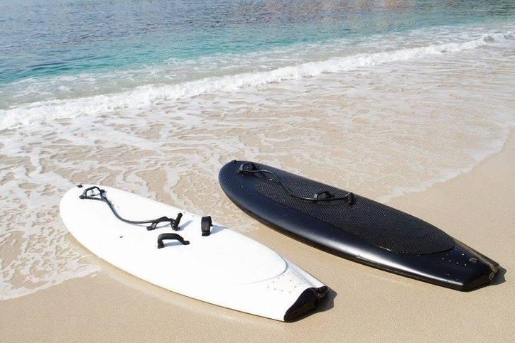 Lampuga Boost- la-planche-de-surf-électrique-version-luxe-effronté-02