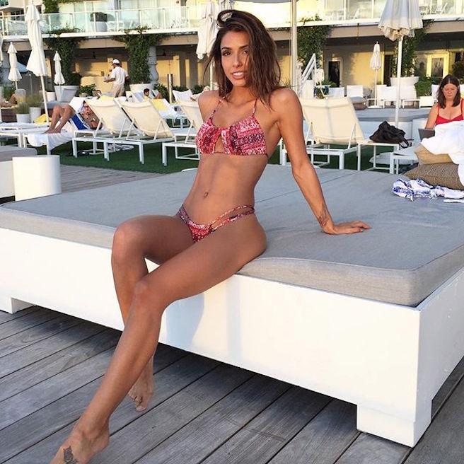 Michele Maturo-USA-Los Angeles-Instagirl-Instagram-Sexy-Jolie-Canon-Fille-Femme-Brune-DJ-Galore-Mannequin-Bikini-effronte-06