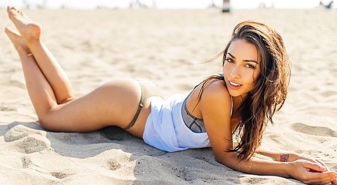 Michele Maturo-USA-Los Angeles-Instagirl-Instagram-Sexy-Jolie-Canon-Fille-Femme-Brune-DJ-Galore-Mannequin-Bikini-effronte-14