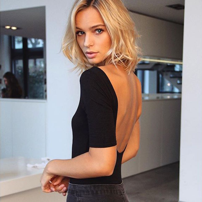 Annelie Alpert-Allemagne-Allemande-Mannequin-Top-Model-Instagirl-Instagram-Sexy-Jolie-Canon-Fille-Femme-Blonde-Bikini-lingerie-sous-vetement-effronte-Loris-Karius-Liverpool-WAG-Wags-04
