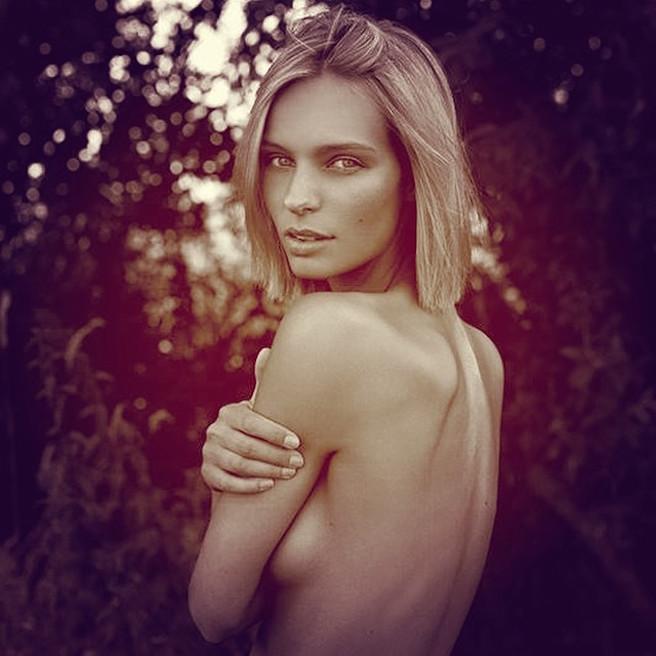 Annelie Alpert-Allemagne-Allemande-Mannequin-Top-Model-Instagirl-Instagram-Sexy-Jolie-Canon-Fille-Femme-Blonde-Bikini-lingerie-sous-vetement-effronte-Loris-Karius-Liverpool-WAG-Wags-13