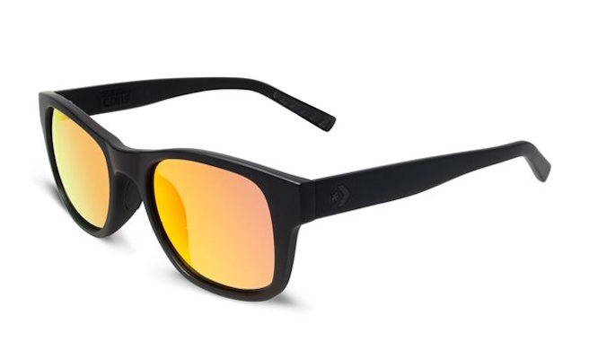 CONVERSE Lunette de soleil monture noire mate verres miroir les lunettes de soleil idéales pour vos vacances verres mirroir miroité effronté