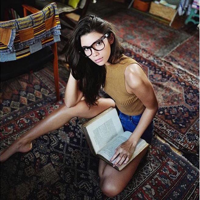 Cindy Mello-Brésil-Brésilienne-Mannequin-Top-Model-Instagirl-Instagram-Sexy-Jolie-Canon-Fille-Femme-Brune-Bikini-lingerie-sous-vetement-effronte-02