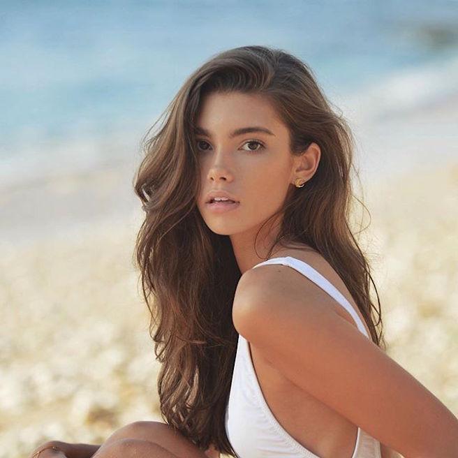 Cindy Mello-Brésil-Brésilienne-Mannequin-Top-Model-Instagirl-Instagram-Sexy-Jolie-Canon-Fille-Femme-Brune-Bikini-lingerie-sous-vetement-effronte-07