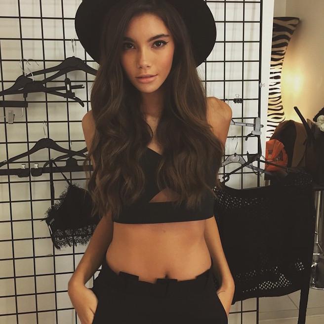 Cindy Mello-Brésil-Brésilienne-Mannequin-Top-Model-Instagirl-Instagram-Sexy-Jolie-Canon-Fille-Femme-Brune-Bikini-lingerie-sous-vetement-effronte-15