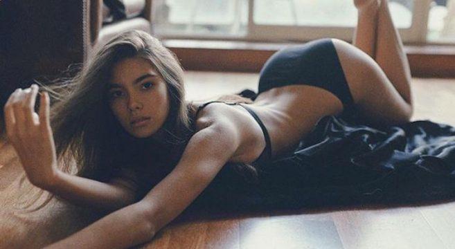 Cindy Mello-Brésil-Brésilienne-Mannequin-Top-Model-Instagirl-Instagram-Sexy-Jolie-Canon-Fille-Femme-Brune-Bikini-lingerie-sous-vetement-effronte-cover-01