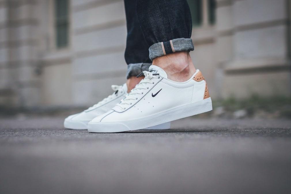 chaussures de séparation 87073 bbfe6 Nouvelles Nike Match Classic - Blanc / Cuir Brun vachette ...