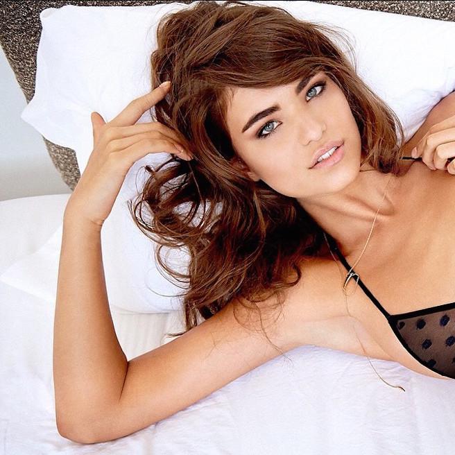 Robin Marjolein-Robin Hölzken-Néerlandaise-Pays-Bas-Hollande-Mannequin-Top-Model-Instagirl-Instagram-Sexy-Jolie-Canon-Fille-Femme-Blonde-Bikini-lingerie-sous-vetement-effronte-14