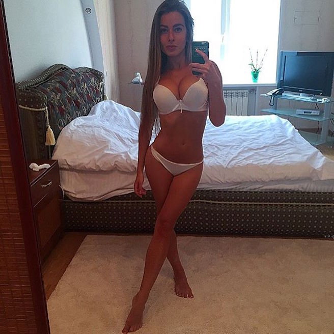 Sasha Shenderey-Ukraine-Kiev-Danseuse-Classique-Instagirl-Instagram-Sexy-Jolie-Canon-Fille-Femme-Blonde-Mannequin-Bikini--lingerie-sous-vetement-effronte-06