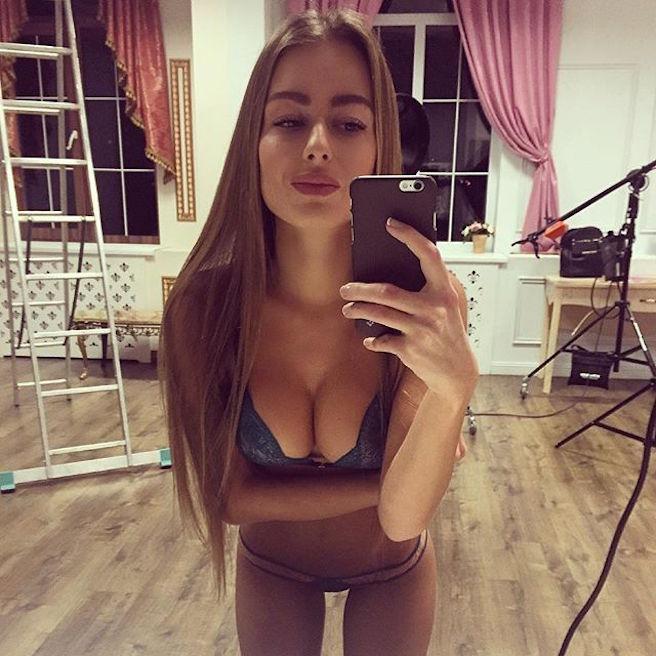 Sasha Shenderey-Ukraine-Kiev-Danseuse-Classique-Instagirl-Instagram-Sexy-Jolie-Canon-Fille-Femme-Blonde-Mannequin-Bikini--lingerie-sous-vetement-effronte-14