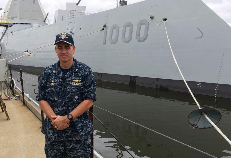 uss-zumwalt-le-plus-gros-navire-de-guerre-americain-destroyer-usa-james-a-kirk-effronte-01