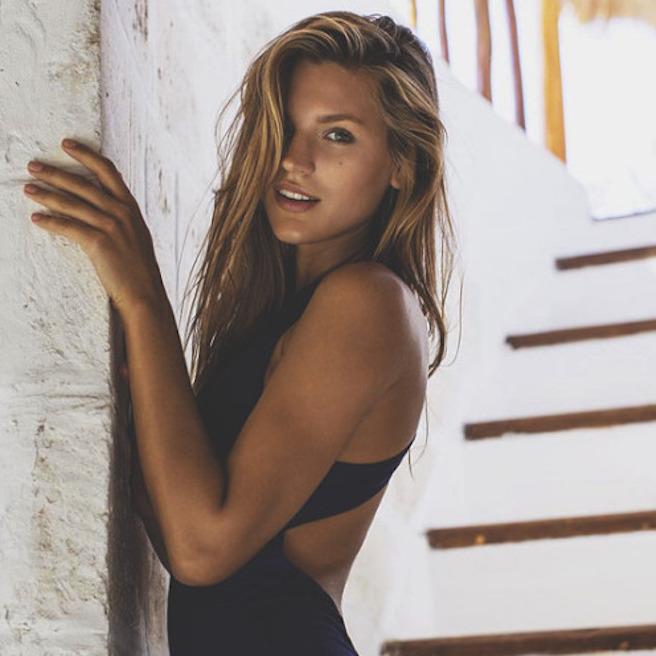 anastasia-bluemoloko-bali-ukraine-ukrainienne-instagirl-instagram-sexy-jolie-canon-glamour-fille-femme-brune-bikini-eurvin-mannequin-mode-effronte-04