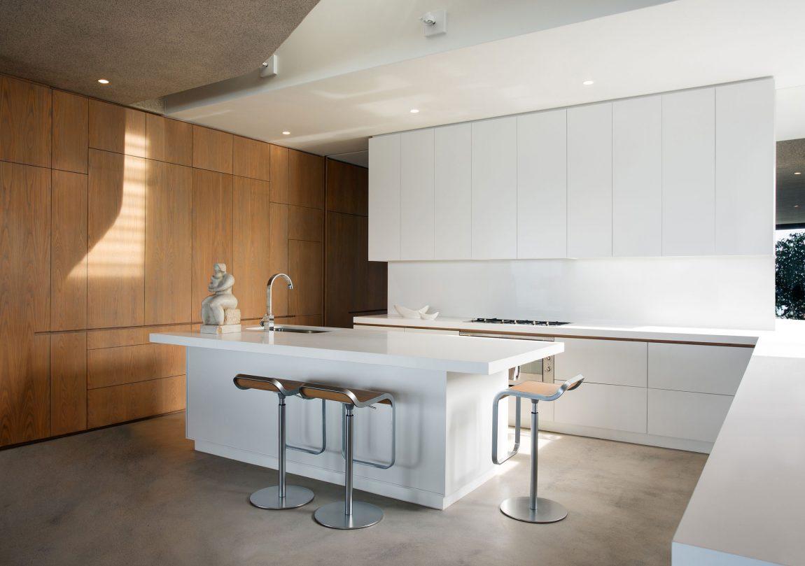 architecture-design-villa-luxuryhouse-southafrica-plettenbergbay-cuisine-09