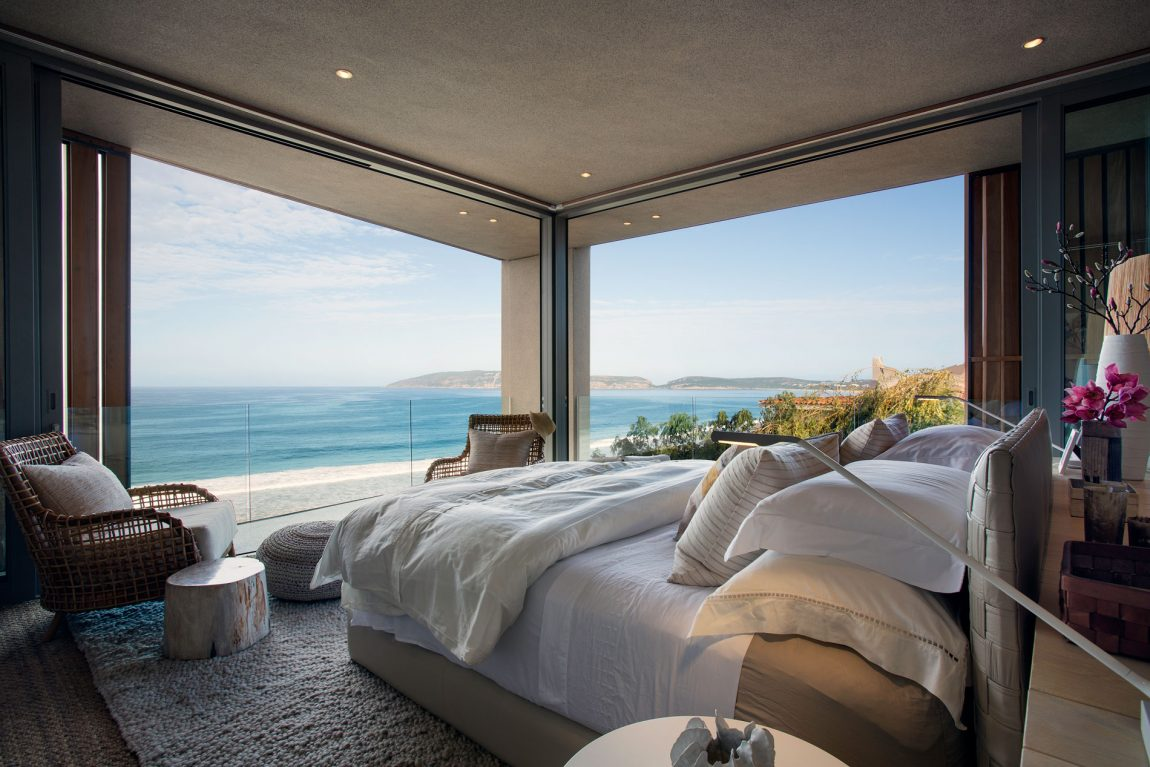 architecture-design-villa-luxuryhouse-southafrica-plettenbergbay-oceanindien-chambre-bedroomwithaview-13