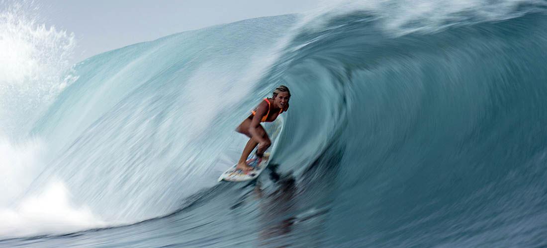 bethany-hamilton-une-surfeuse-avec-un-bras-en-moins-effronte-surf-histoire-formidable-02