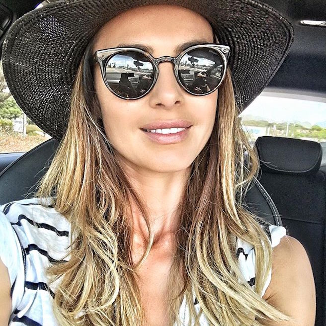 natamelie-amelie-suisse-lausanne-bastia-corse-instagirl-instagram-sexy-jolie-canon-glamour-fille-femme-brune-bikini-bijoux-blogueuse-mode-effronte-06