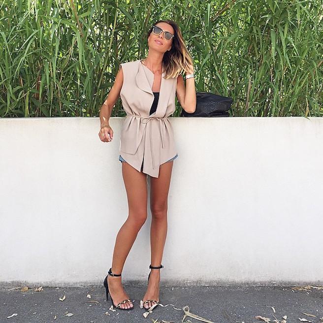 natamelie-amelie-suisse-lausanne-bastia-corse-instagirl-instagram-sexy-jolie-canon-glamour-fille-femme-brune-bikini-bijoux-blogueuse-mode-effronte-14
