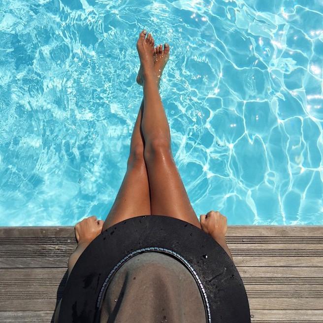 natamelie-amelie-suisse-lausanne-bastia-corse-instagirl-instagram-sexy-jolie-canon-glamour-fille-femme-brune-bikini-bijoux-blogueuse-mode-effronte-15