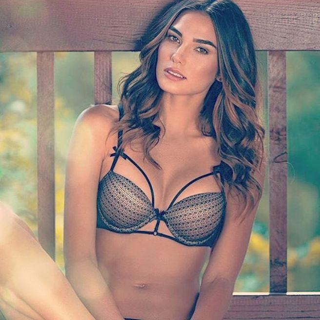 rachel-vallori-la-havane-cuba-cubaine-los-angeles-instagirl-instagram-sexy-jolie-canon-glamour-fille-femme-brune-bikini-mannequin-actrice-mode-effronte-02