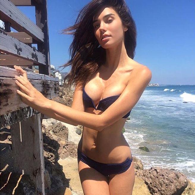 rachel-vallori-la-havane-cuba-cubaine-los-angeles-instagirl-instagram-sexy-jolie-canon-glamour-fille-femme-brune-bikini-mannequin-actrice-mode-effronte-05