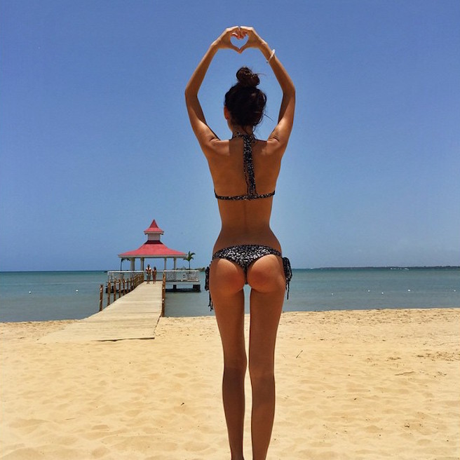 rachel-vallori-la-havane-cuba-cubaine-los-angeles-instagirl-instagram-sexy-jolie-canon-glamour-fille-femme-brune-bikini-mannequin-actrice-mode-effronte-12