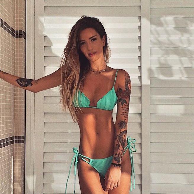 mari-freire-bresilienne-bresil-sao-paolo-instagirl-instagram-sexy-jolie-canon-glamour-fille-femme-brune-bikini-mannequin-tatoo-tatouage-bad-girl-effronte-14