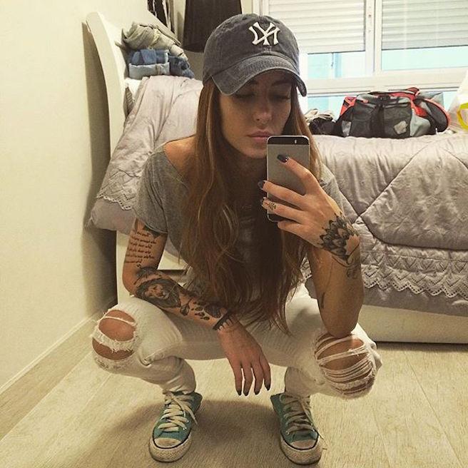 mari-freire-bresilienne-bresil-sao-paolo-instagirl-instagram-sexy-jolie-canon-glamour-fille-femme-brune-bikini-mannequin-tatoo-tatouage-bad-girl-effronte-15