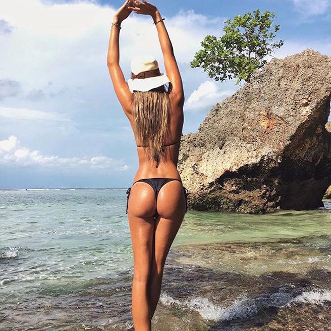 caroline-chafauzer-bresil-bresilienne-sao-paolo-instagirl-instagram-sexy-jolie-canon-glamour-fille-femme-blonde-bikini-mannequin-corps-magnifique-effronte-06