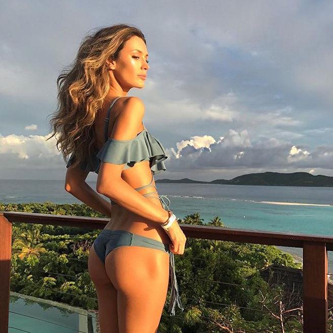 tika-camaj-tirana-albanie-albanaise-instagirl-instagram-sexy-jolie-canon-glamour-fille-femme-brune-bikini-mannequin-victorias-secret-la-models-david-silverman-effronte-01