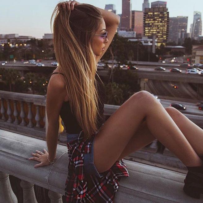 caroline-einhoff-itsmecaro-allemande-allemagne-instagirl-instagram-sexy-jolie-canon-glamour-fille-femme-brune-bikini-bijoux-blogueuse-mode-effronte-01