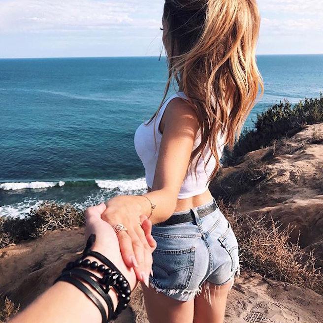 caroline-einhoff-itsmecaro-allemande-allemagne-instagirl-instagram-sexy-jolie-canon-glamour-fille-femme-brune-bikini-bijoux-blogueuse-mode-effronte-04