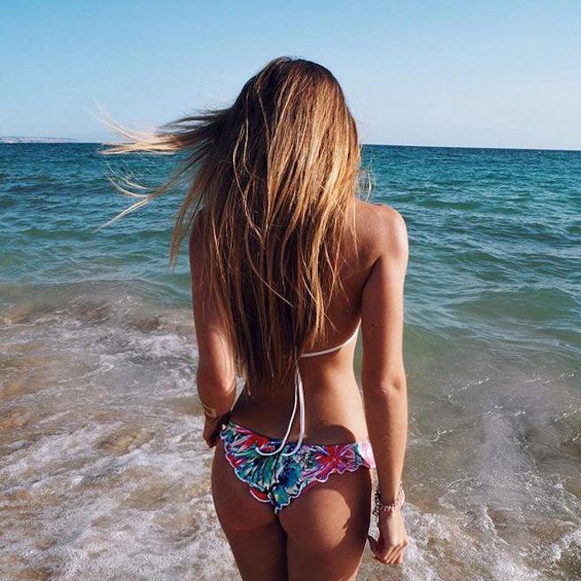 caroline-einhoff-itsmecaro-allemande-allemagne-instagirl-instagram-sexy-jolie-canon-glamour-fille-femme-brune-bikini-bijoux-blogueuse-mode-effronte-05
