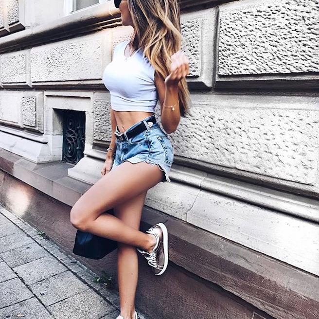caroline-einhoff-itsmecaro-allemande-allemagne-instagirl-instagram-sexy-jolie-canon-glamour-fille-femme-brune-bikini-bijoux-blogueuse-mode-effronte-07