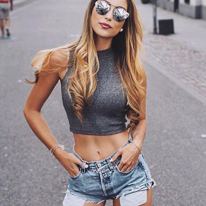 caroline-einhoff-itsmecaro-allemande-allemagne-instagirl-instagram-sexy-jolie-canon-glamour-fille-femme-brune-bikini-bijoux-blogueuse-mode-effronte-10