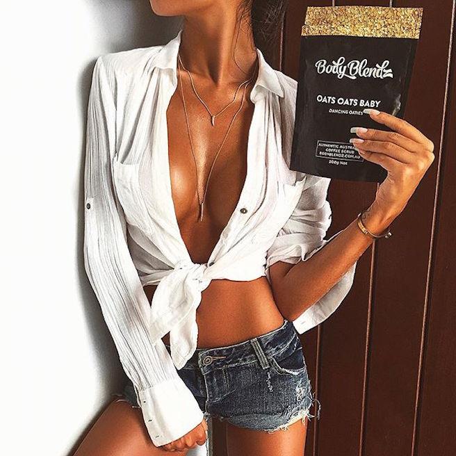 Jennifer Auada-Brésil-Brésilienne-Instagirl-Instagram-Sexy-Jolie-Canon-Glamour-Fille-Femme-Brune-Mannequin-mode-bikini-lingerie-maillot de bain-effronte-07