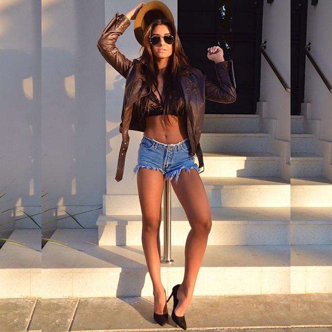 Jennifer Auada-Brésil-Brésilienne-Instagirl-Instagram-Sexy-Jolie-Canon-Glamour-Fille-Femme-Brune-Mannequin-mode-bikini-lingerie-maillot de bain-effronte-11