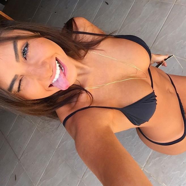 Jennifer Auada-Brésil-Brésilienne-Instagirl-Instagram-Sexy-Jolie-Canon-Glamour-Fille-Femme-Brune-Mannequin-mode-bikini-lingerie-maillot de bain-effronte-12