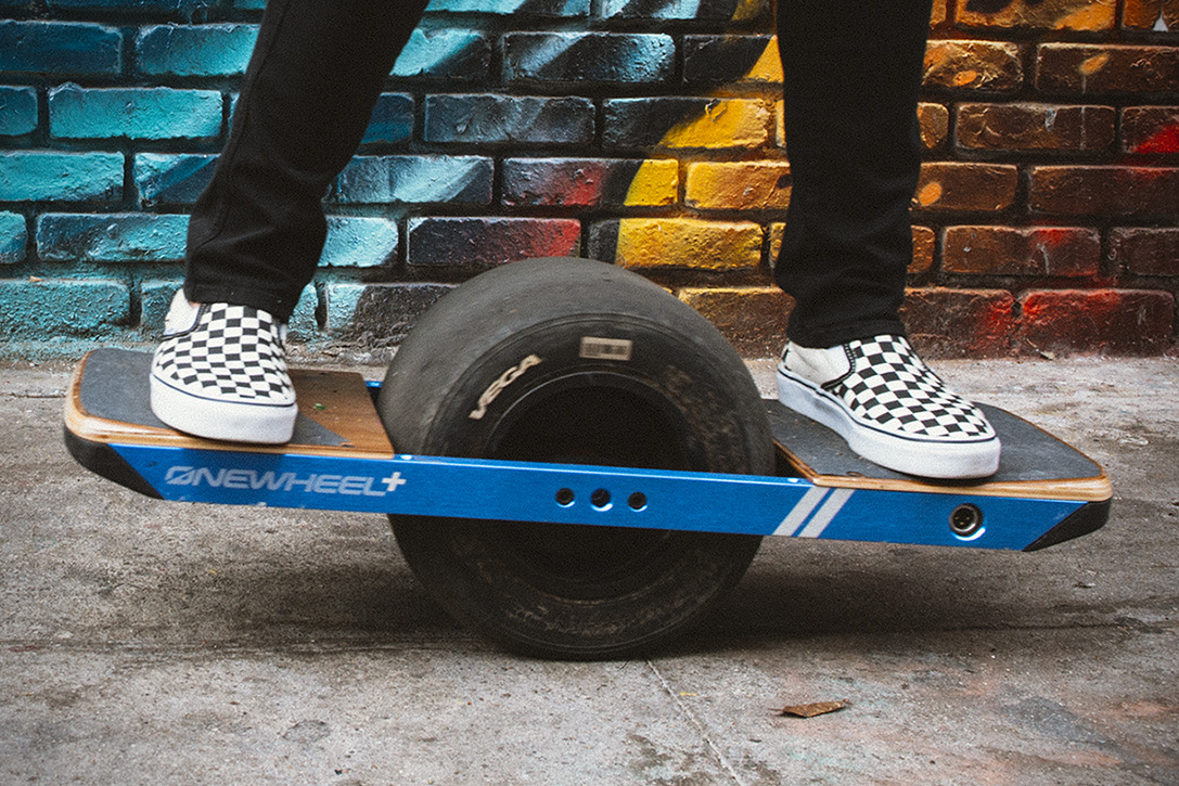 onewheel-plus-le-snowboard-de-rue-design-innovation-04