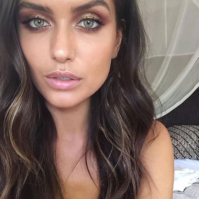 talia-richman-australienne-aussie-australie-instagirl-instagram-sexy-jolie-canon-glamour-fille-femme-brune-yeux-verts-bikini-bijoux-mannequin-mode-effronte-05