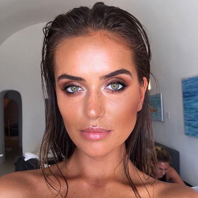 talia-richman-australienne-aussie-australie-instagirl-instagram-sexy-jolie-canon-glamour-fille-femme-brune-yeux-verts-bikini-bijoux-mannequin-mode-effronte-06