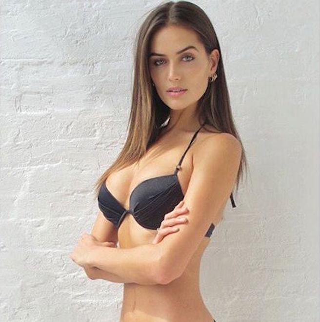 talia-richman-australienne-aussie-australie-instagirl-instagram-sexy-jolie-canon-glamour-fille-femme-brune-yeux-verts-bikini-bijoux-mannequin-mode-effronte-10