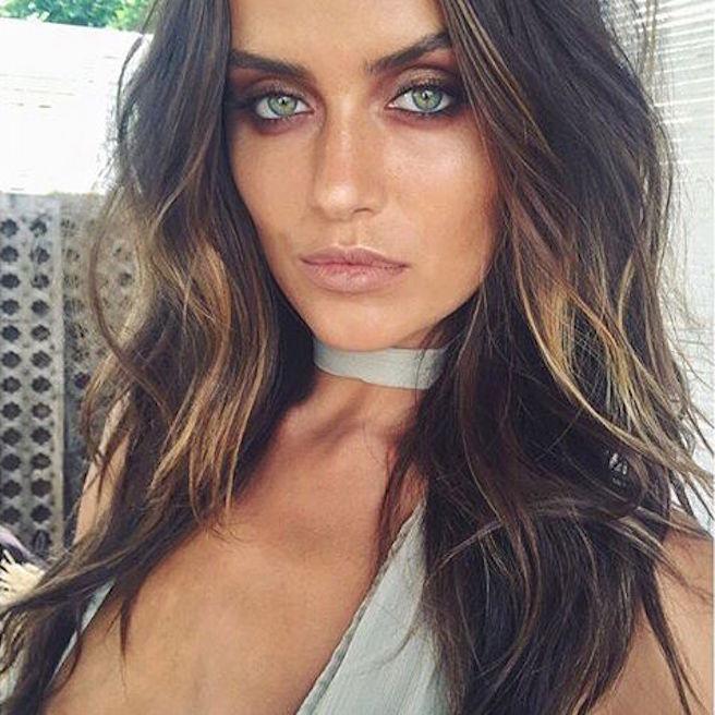 talia-richman-australienne-aussie-australie-instagirl-instagram-sexy-jolie-canon-glamour-fille-femme-brune-yeux-verts-bikini-bijoux-mannequin-mode-effronte-12