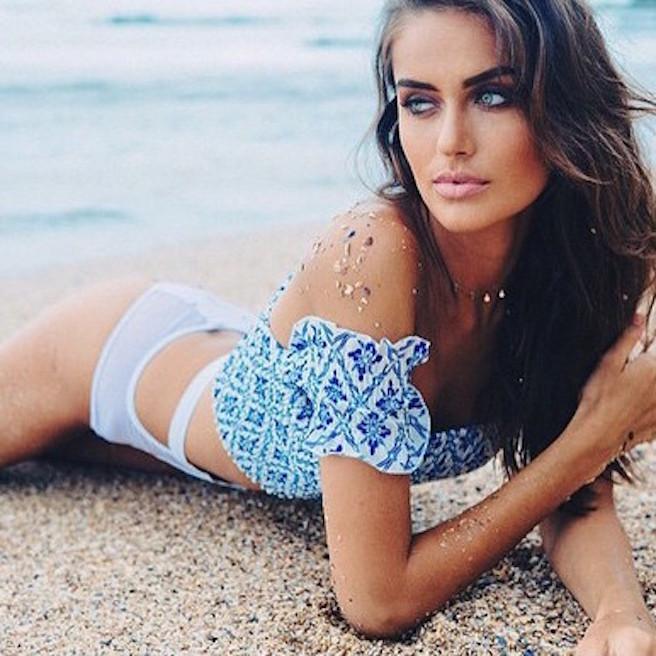 talia-richman-australienne-aussie-australie-instagirl-instagram-sexy-jolie-canon-glamour-fille-femme-brune-yeux-verts-bikini-bijoux-mannequin-mode-effronte-15