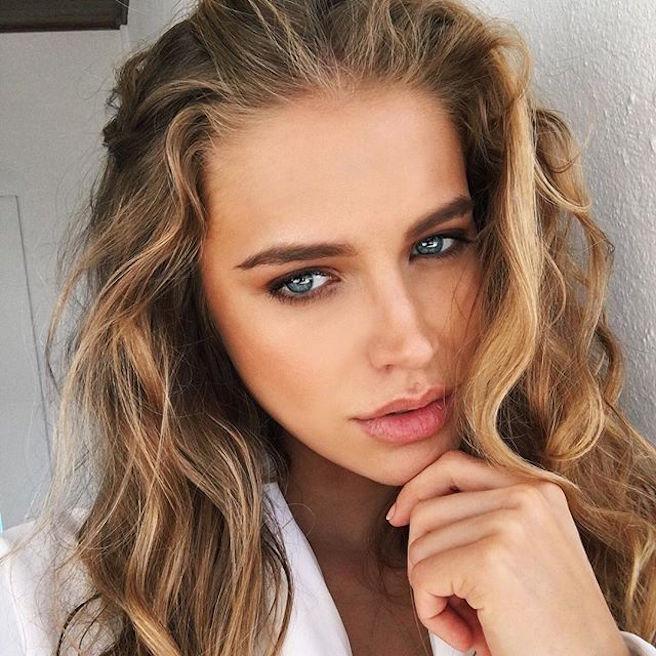 Tanya Mityushina-Perm-Russie-Russe-Instagirl-Instagram-Sexy-Jolie-Canon-Glamour-Fille-Femme-Blonde-Yeux-Verts-Mannequin-Elite-mode-bikini-maillot de bain-effronte-08